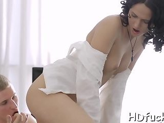 Hottie Spreads Legs For Fuck